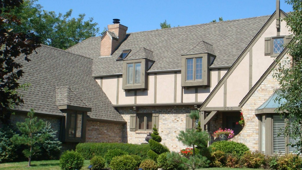 Oconomowoc Roofing, Siding, Gutter and Skylight installation services